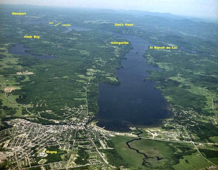 Vue aérienne de Magog